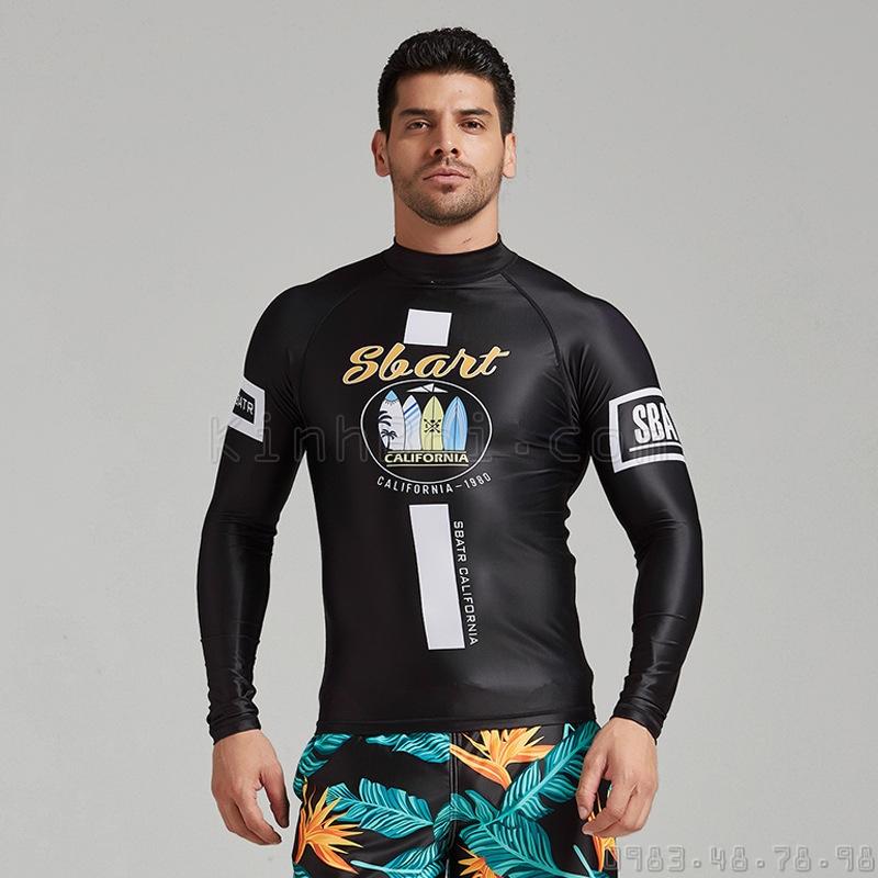 Hoạ tiết trên áo bơi dài cho nam D216 được in digital không phai