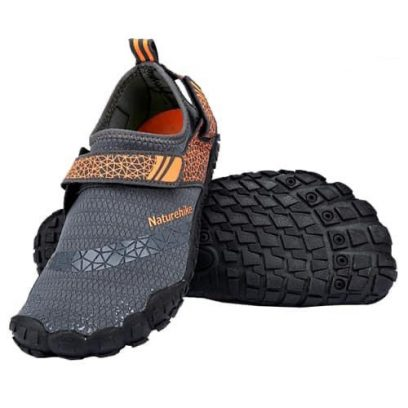 giày đi biển thoát nước